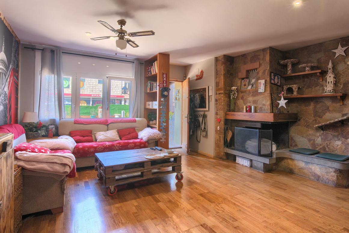 другая недвижимость -                               Begur -                               5 спальни -                               0 человека